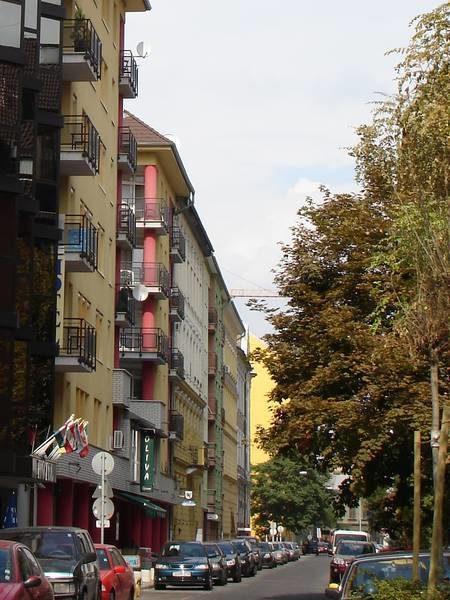 A Liliom utca új beépítése a rehabilitáció után