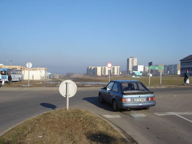 A város új főutcájának és gyűjtőútjának helye a rehabilitáció előtt