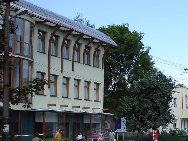 Az új Inkubátor-ház a főutcán