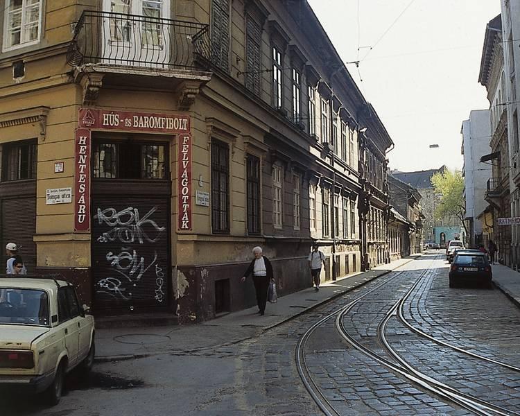 Az Angyal utca a rehabilitáció előtt