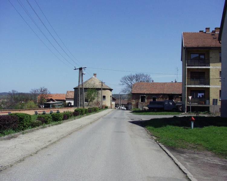 Egy utca a rehabilitáció előtt
